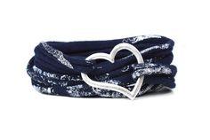 Armbänder - Wickelarmband blau Print Glitzer silber Metallherz - ein Designerstück von AT-Schmuck bei DaWanda