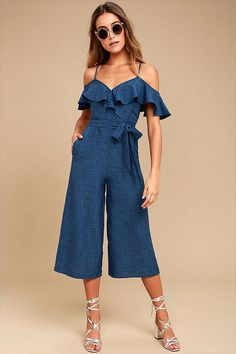 Nothing else matters once you slip into the Lost in Love Dark Blue Off-the-Shoulder Midi Jumpsuit! Woven midi jumpsuit with off-the-shoulder sleeves. Fitted Jumpsuit, Strapless Jumpsuit, Jumpsuit With Sleeves, Jumpsuit Outfit, Denim Jumpsuit, Ruffle Jumpsuit, Culotte Pants, Surplice Dress, Ruffle Skirt