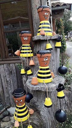 Clay Flower Pot People: Cartoon Characters and Superheroes – Unique Balcony & Garden Decoration and Easy DIY Ideas - Gartenkunst Flower Pot Art, Clay Flower Pots, Bee On Flower, Flower Pot Crafts, Clay Pots, Clay Pot Projects, Clay Pot Crafts, Diy Clay, Flower Pot People