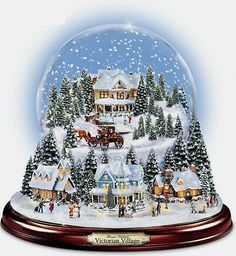 Thomas Kinkade Christmas snow globe