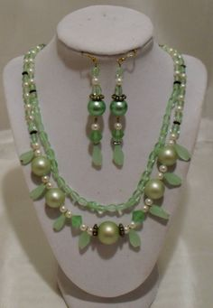 Ice Green Mad Men 1950 Beaded Necklace & Earring set SOLD