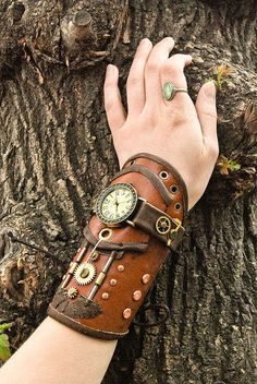 45 ideas motorcycle accessories awesome for 2019 Costume Steampunk, Mode Steampunk, Style Steampunk, Steampunk Clock, Steampunk Design, Steampunk Fashion, Leather Bracers, Leather Tooling, Leather Gifts