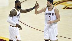 [replay] Magic Johnson déguisé en LeBron James -  Chaud bouillant face aux Hawks, LeBron James n'en oublie pas de faire le show, et il nous gratifie de l'une des plus belles passes de la saison avec ce caviar… Lire la suite»  http://www.basketusa.com/wp-content/uploads/2017/04/love-lebron-570x325.jpg - Par http://www.78682homes.com/replay-magic-johnson-deguise-en-lebron-james homms2013 sur 78682 homes #Basket