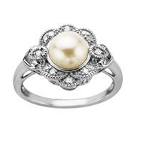 {Non-traditional Engagement Rings: What the Pearl Symbolizes} || The Pink Bride www.thepinkbride.com || Image courtesy of the Fred Meyer Jewelers website. || #engagement #ring #pearl