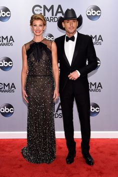 Faith Hill and Tim McGraw look as gorgeous as ever at the CMA Awards.