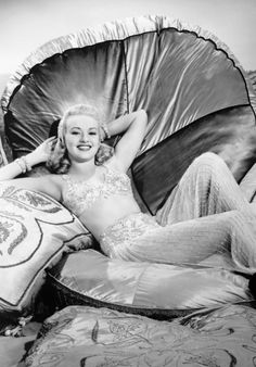 "summers-in-hollywood: ""Betty Grable, 1940 """