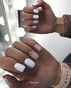 Semi-permanent varnish, false nails, patches: which manicure to choose? - My Nails Pink Gel Nails, Cute Acrylic Nails, Nail Manicure, White Nails, Nail Polish, Spring Nail Art, Spring Nails, Short Nail Designs, Nail Art Designs