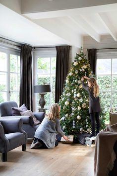 Navy blue wiing back chairs, dark drapery Christmas Mood, Rustic Christmas, White Christmas, Merry Christmas, Cottage Christmas, Christmas Colors, Xmas Tree, Christmas Tree Decorations, Holiday Decor
