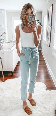 Perfect Spring Outfits To Copy ASAP white tank top and blue pants Casual Outfits, Cute Outfits, Fashion Outfits, Womens Fashion, 2000s Fashion, Simple Outfits, Work Outfits, Fashion Styles, Pretty Outfits