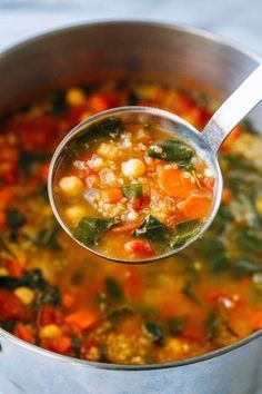 Chickpea Spinach Soup Quinoa Chickpea and Spinach Soup- a hearty vegetable soup thats packed full of plant protein! (vegan + gluten-free)Quinoa Chickpea and Spinach Soup- a hearty vegetable soup thats packed full of plant protein! Vegan Soups, Vegetarian Recipes, Cooking Recipes, Healthy Recipes, Free Recipes, Healthy Soups, Veggie Soup Recipes, Beef Soups, Online Recipes
