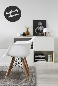 Scandinavian home with white interior and Eames chairs Scandinavian Interior Design, Scandinavian Home, Modern Home Interior Design, Top Interior Designers, Modern Decor, Dining Arm Chair, Dining Room Chairs, Eames Chairs, Eames Dining