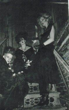 Gruftie - Memories of a damn horny time. trad goth 84 Bridal Lingerie on Your Wedding Night Grunge Goth, 80s Goth, Estilo Grunge, Hipster Grunge, Punk Goth, 70s Punk, Vintage Goth, Estilo Punk Rock, Dark Wave