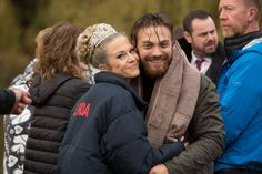 Matt Di Angelo and Kellie Bright Kellie Bright, Canada Goose Jackets, Winter Jackets, Actors, Characters, Fashion, Winter Coats, Moda, Winter Vest Outfits