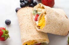 Rainbow Breakfast Wraps: These quick wraps are so quick to make an a perfect way to start the day. Packed with granola, Greek yogurt, and colorful fruits. Recipes Breakfast Video, Dinner Recipes For Kids, Delicious Fruit, Yummy Food, Healthy Wraps, Healthy Recipes, Healthy Food, Breakfast Wraps, Breakfast Ideas