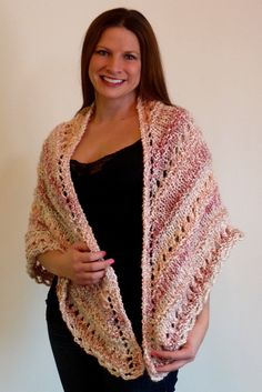 Knit this beautiful lace comfort shawl with Lion Brand Homespun! Free pattern calls for 2 balls of yarn - other sizes available!