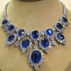 Mm_diamondsjewellers. Spectacular sapphire and diamond necklace. Marvellous colour. Astonishing jewel. Sumptuous gift. Royal jewelry.