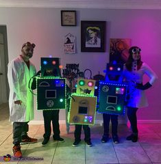 The Mad Scientists and their Son-Bots - 2019 Halloween Costume Contest Halloween Pajamas, Halloween Witch Hat, Halloween Costume Contest, Funny Halloween Costumes, Halloween Art, Happy Halloween, Witch Hats, Family Costumes, Baby Costumes