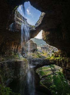 Le gouffre des Trois Ponts, Liban