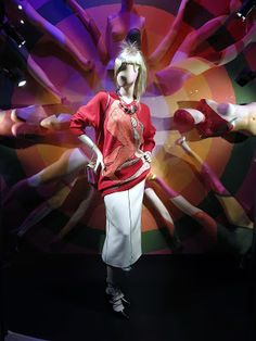 www.retailstorewindows.com: Harvey Nichols. London