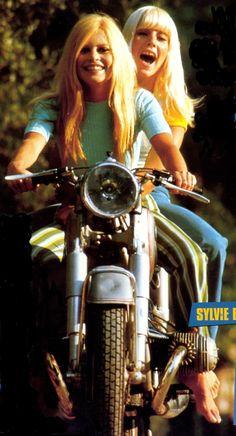 Brigitte Bardot and Sylvie Vartan Bridget Bardot, Brigitte Bardot, Photo D Art, Popular People, Female Actresses, French Actress, Portraits, Biker Girl, Timeless Beauty