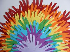Rainbow of hands. - Noah's ark theme to decorate the hallway or room? Background to noah's ark Kids Crafts, Bible Crafts, Cute Crafts, Arts And Crafts, Noahs Ark Craft, Noahs Ark Theme, Preschool Bible, Rainbow Crafts, Church Crafts
