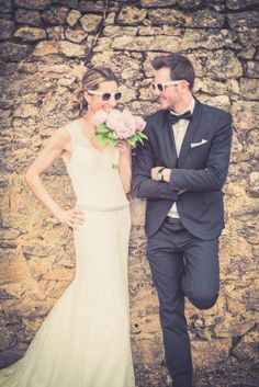 ©Maxime Vantorre – Le photographe de votre mariage – Un mariage en rose au domaine de la Corbe – La mariee aux pieds nus