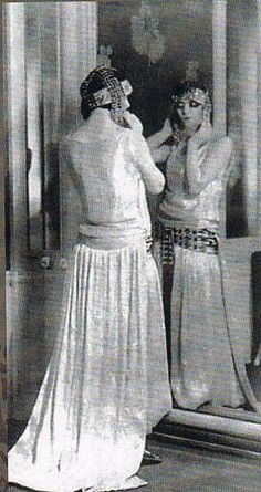 Luisa Casati, photographer unknown, 1920′s