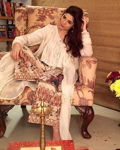 #AyeshaOmer looks eternal in @generation_pk lastest collection @adotthatwentforawalk on this #Eid.@ayesha.m.omar #generation