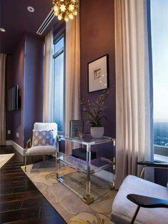 Hallway decor. Rug. Wall color. Lovely