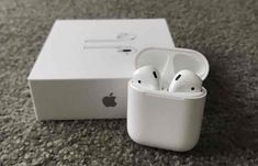 Apple's AirPods 'Dominating' Emerging Wireless Earbuds Market, Say Analysts Electronics Projects, Diy Electronics, Airpods Apple, Apple Inc, Wireless Headphones, Bluetooth, Cheap Apple Products, Iphone 3gs, Airpods Pro