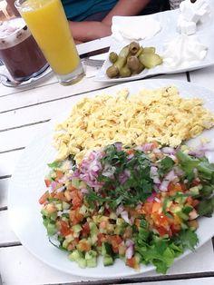 Israeli Breakfast at a beach cafe Kosher Food, Kosher Recipes, Israeli Breakfast, Beach Cafe, Pita Bread, Fries In The Oven, Tel Aviv, Stuffed Green Peppers