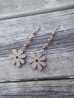 Wood Flower EarringsBrown flower by TheEarthDragonsCave on Etsy