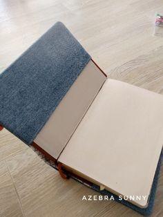 성경책 커버 만들기 : 네이버 블로그 Scrapbook, Embroidery, Sewing, Cover, Books, Crafts, Sachets, Journal, Jeans