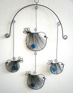 wire birds - Závěs Ptáčci s pecičkou Wire Crafts, Metal Crafts, Jewelry Crafts, Diy And Crafts, Arts And Crafts, Jewelry Ideas, Wire Wrapped Jewelry, Wire Jewelry, Jewellery