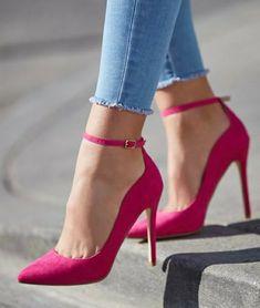 Stiletto  #fashion #stiletto #vanessacrestto #sandal #shoes #style