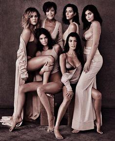 All if the girls Kylie Jenner Kendall Jenner Khloe Kardashian Kourtney Kardashian Kris Jenner Kim Kardashian Kourtney Kardashian, Estilo Kardashian, Robert Kardashian, Kardashian Family, Kardashian Kollection, Kardashian Style, Kardashian Jenner, Kardashian Workout, Kendall Jenner