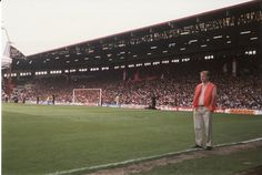 These photos were taken from the Paddock before the title deciding match against Arsenal at the end of the season. This was shortly after the Hillsborough disaster. Liverpool Football Club, Liverpool Fc, Hillsborough Disaster, Classic Football Shirts, Football Stadiums, Chelsea, Soccer, Sports, Terraces