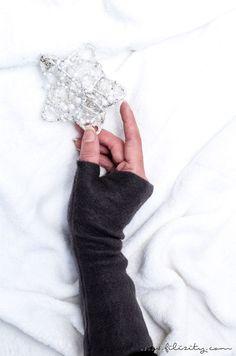 DIY-Fashion: Wärmende Armstulpen nähen - mit oder ohne Daumensteg. Kuscheliges Winter-Accessoire & tolle Geschenkidee zum Selbermachen.