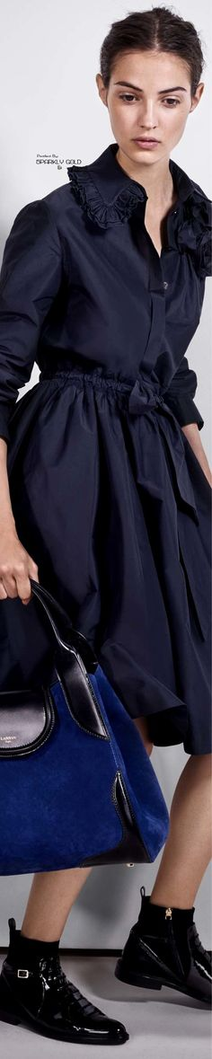 Lanvin Resort 2018 I WILL have this beautiful navy blue dress! Adore