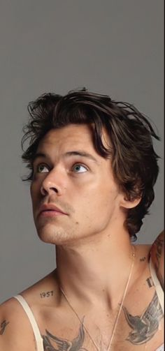 Harry Styles Baby, Harry Styles Pictures, One Direction Pictures, Harry Edward Styles, Louis E Harry, Harry 1d, Beautiful Boys, Pretty Boys, Harry Styles Wallpaper
