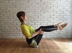背中や腰の贅肉は何をやっても落ちないばかりか、どんなエクササイズを行っていいのかさえも分からない人が多いもの。そこで今回は、背肉と腰肉の「ハミ肉」にフォーカスをあて、合理的かつ速やかに贅肉を削げ落とすエクササイズを紹介したいと思います!(2ページ目) Muscle Fitness, Fitness Diet, Yoga Fitness, Health Fitness, Health Benefits Of Ginger, Tummy Workout, Plank Workout, Muscle Training, Excercise