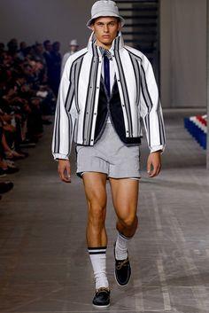 Moncler Gamme Bleu Spring 2016 Menswear Fashion Show