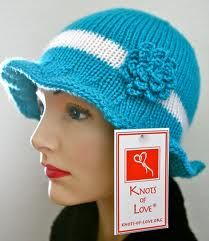 Knitted hats aren't just for winter! These great knitted hats keep the sun out of your eyes, your head cool, and your summer outfits stylish. Most patterns are free. Love Knitting Patterns, Easy Crochet Patterns, Knitting Designs, Free Crochet, Knit Crochet, Crochet Hats, Simple Crochet, Hat Patterns, Knitting Ideas