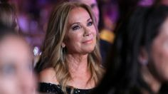 Kathie Lee Gifford broke down in tears on Tuesday as she remembered her late husband, Frank Gifford , on what would have been their 30th wedding anniversary.