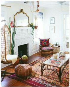 Me encanta la butaca, la alfombra, el espejo, la combinación de color.