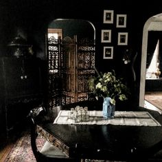 Steampunk Art: 9 Amazing Ways to Incorporate It Into Your Decor English Cottage Interiors, Dark Bohemian, Gothic Garden, Goth Home, Steampunk House, Witch House, Dark Interiors, Dining Room Inspiration, Gothic House