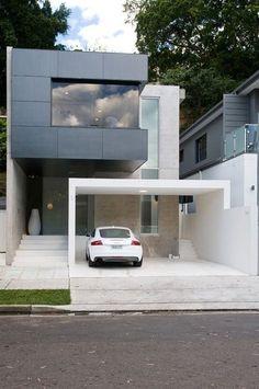 建物と美しく調和する車庫づくり|SUVACO(スバコ) 建物の中ではないのに、デザイン的に一体感のあるカーポートデザイン。設計の段階でエクステリアも一緒にデザインされているのが分かります。