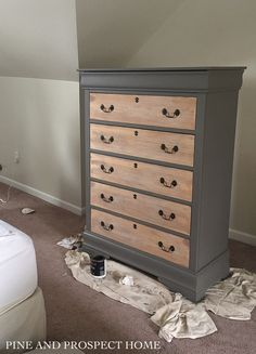 Painted Dresser with Raw Wood Drawers - Pine and Prospect Home Painted Drawers, Wooden Drawers, Diy Drawers, Painted Chest, Hand Painted, Chest Of Drawers Makeover, Diy Dresser Makeover, Furniture Makeover, Dresser Makeovers