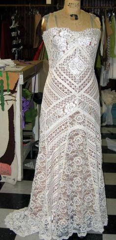 lace design by jill andrews gowns
