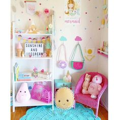 "Kids Decor - Wild River on Instagram: ""This room is perfection  featuring our spotty timber mountain set in pastels and our large glitter tip mountain and pastel houses, all available now on the website, link in bio  #handmade #timberdecor #timbermountains #nurserydecor #nurseryroominspo #girlsroom #girlsroomdecor #interiordesign"""
